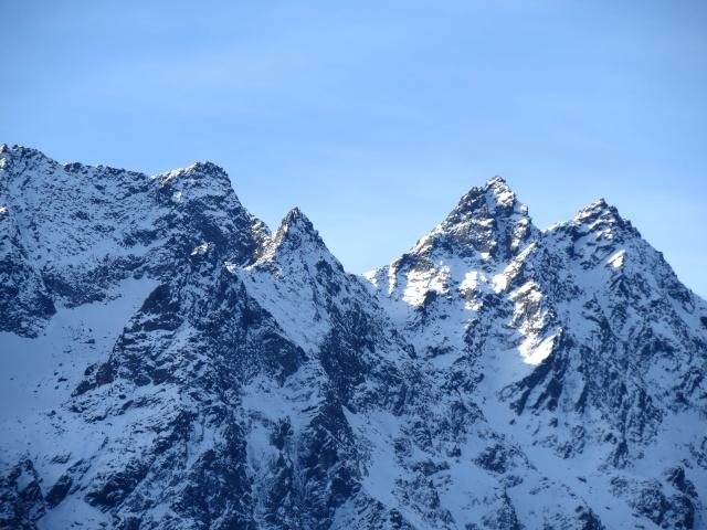 Panorama dall'Alpe Piota sulla catena montuosa tra il Pizzo Campo Tencia ed il Pizzo Campolungo