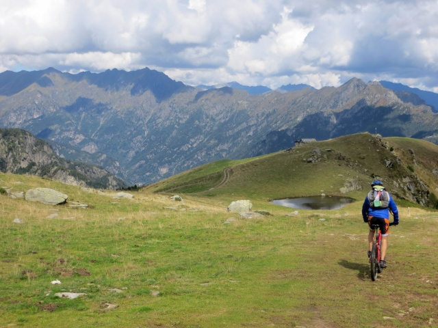Scendendo all'Alpe Pizzo