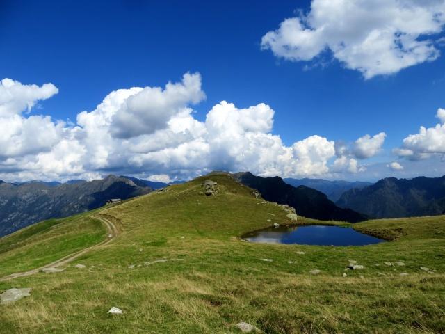 Alpe Pizzo e l'attiguo lago