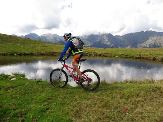Alpe Pizzo, nei pressi dell'attiguo laghetto