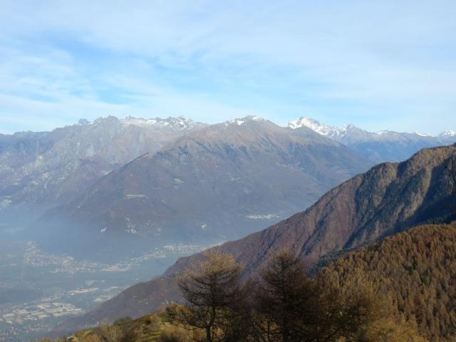 Panorama - Primi rilievi della Valtellina