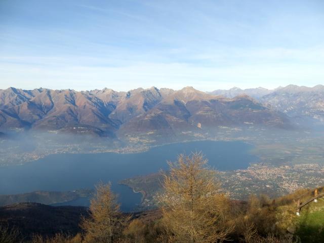 Panorama - Parte terminale del Lago di Como dalla sommità del Legnoncino