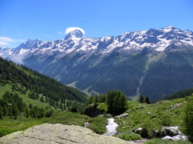 La catena alpina che delimita a Sud la Lötschental con il Bietschhorn a dominare il panorama