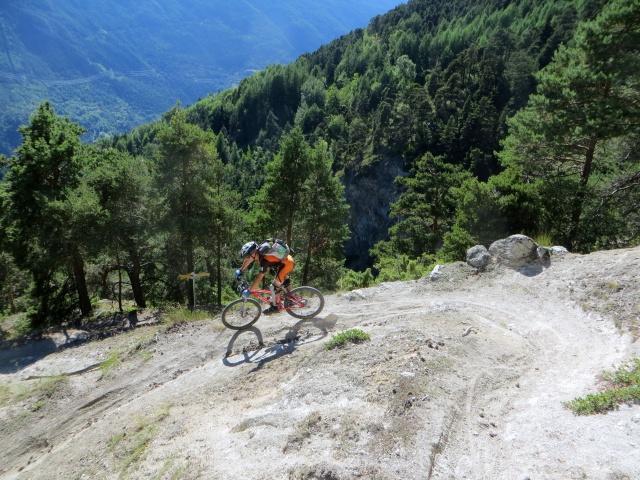 Trail di discesa verso Fossaz-Saint Nicolas