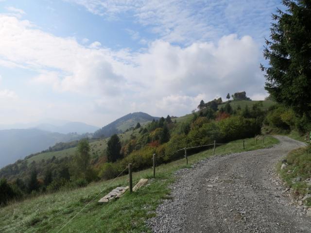 Strada per Monticelli