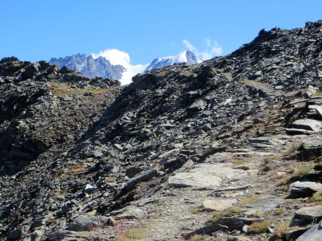La parte finale del sentiero per il Colle Manteau dove riprende quasi totalmente la ciclabilità (pur se ripido)