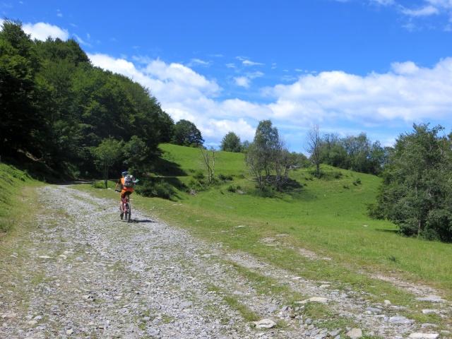 In direzione dell'Alpe di Esino da Cainallo