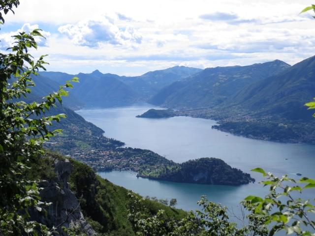 Punta di Bellagio vista durante la discesa lungo il Sentiero del Viandante
