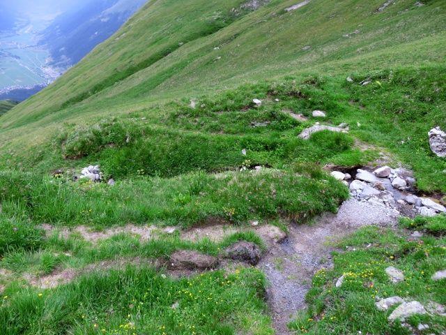 Tratto di sentiero sconnesso-impegnativo tra Firbaech e Lichere