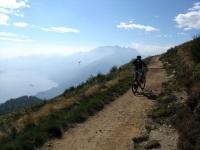 Single-track in salita al Monte Cimetta
