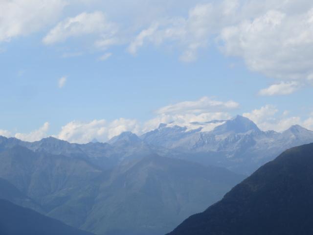 Panorama nei pressi della Cappella del Buon Pastore - vista sul ghiacciaio del Breithorn (Sempione) e Monte Leone