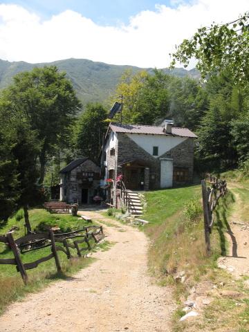 Rifugio CAI Gravellona  - Alpe Cortevecchio (foto di precedente escursione)