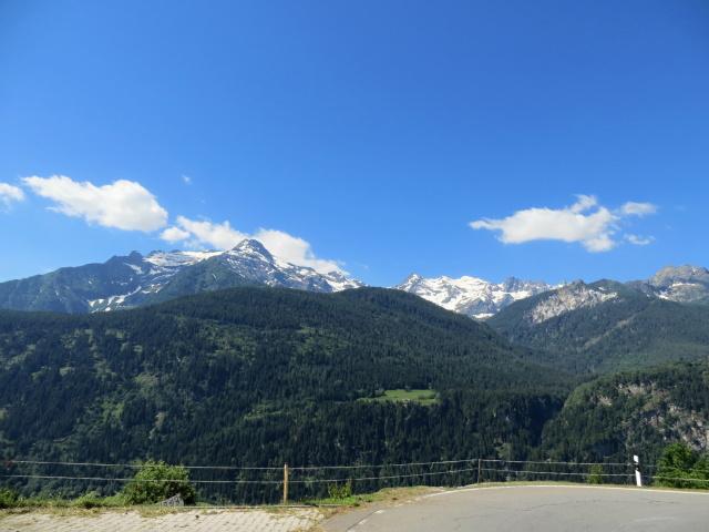Salita a Carì, panorama su Gruppo del Pizzo Campo Tencia (centro) e Pizzo Forno (sx)