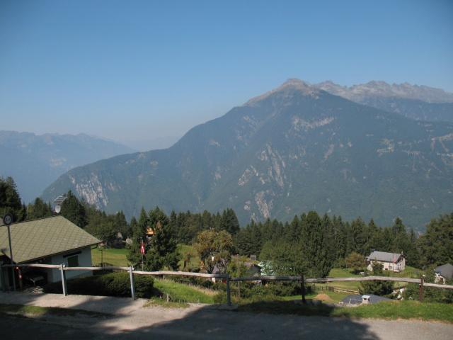Panorama su Piz de Molinera dall'abitato di Laura