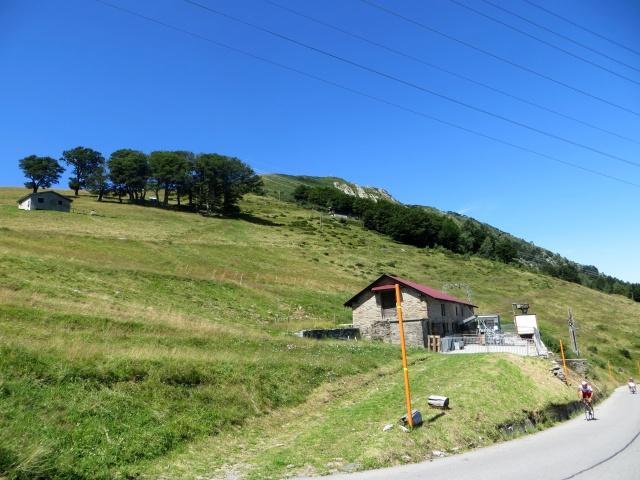 Alpe di Neggia, la croce sull'anticima del Monte Gambarogno