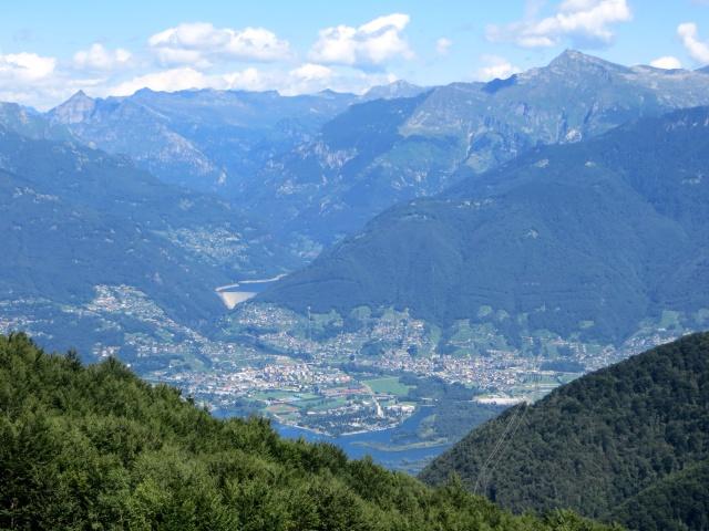 Piano di Magadino e diga di Vogorno dall'Alpe di Neggia