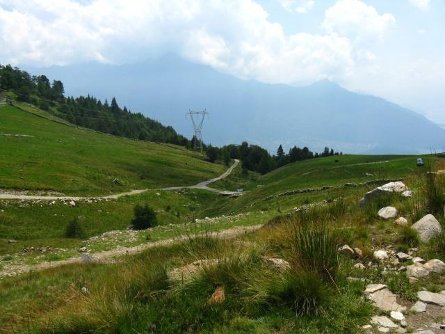 Alpe di mezzo - vista sulla strada dell'ascesa
