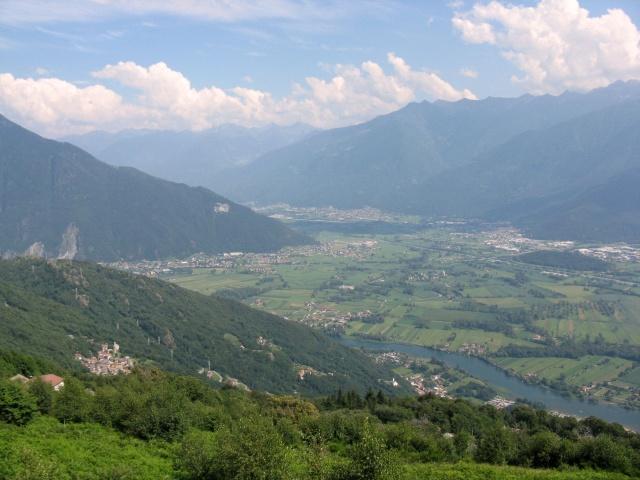 Panorama sulla porta della Valtellina