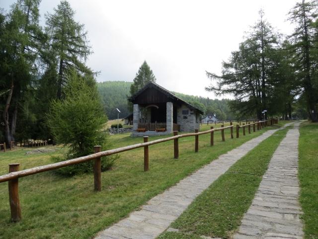 Arrivo all'Alpe Pescia - chiesetta della Madonna della neve