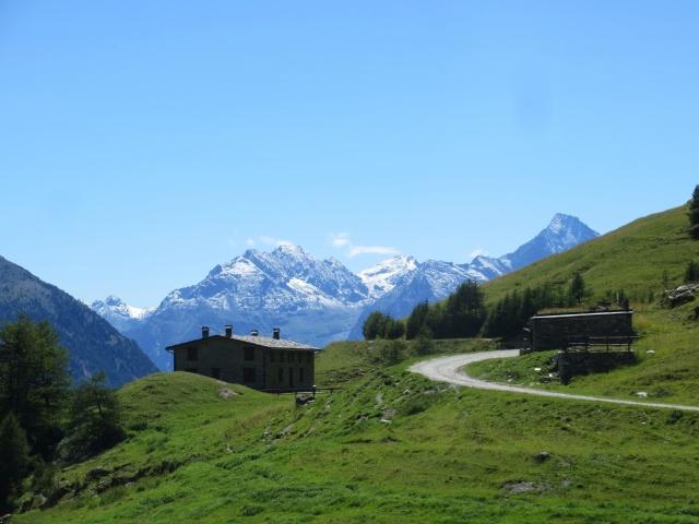 Uno dei tanti alpeggi presenti nella Conca di By