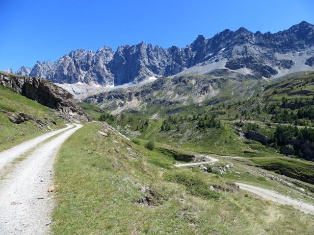 In direzione dell'Alpe Thoules proveniendo dall'alpe Balme de Bal