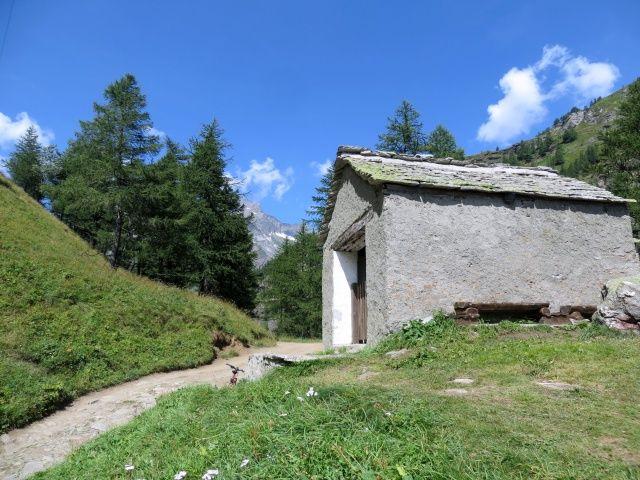 Salita per l'Alpe Veglia, cappella del Groppallo