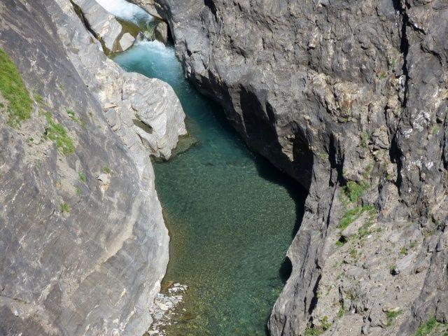 Salita per l'Alpe Veglia, gola scavata dal torrente Cairasca - particolare