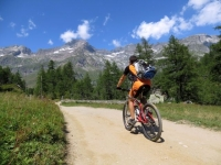 Salita per l'Alpe Veglia, ingresso alla piana dell'Alpe - La Porteia