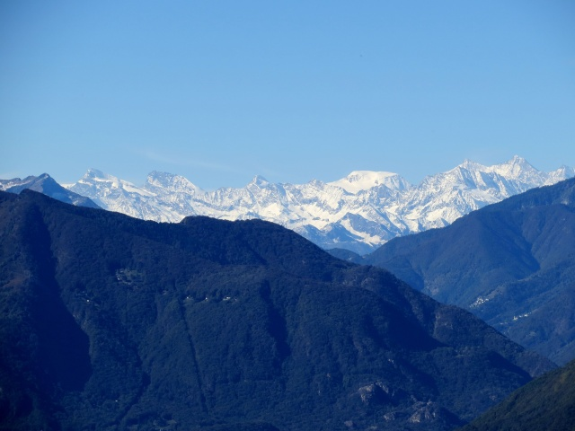 Massiccio del Mischabel visto dai Monti di Ditto - da sx a dx: Strahlhorn, Rimpfischhorn, Allalinhorn, Alphubel, Täschhorn, Dom