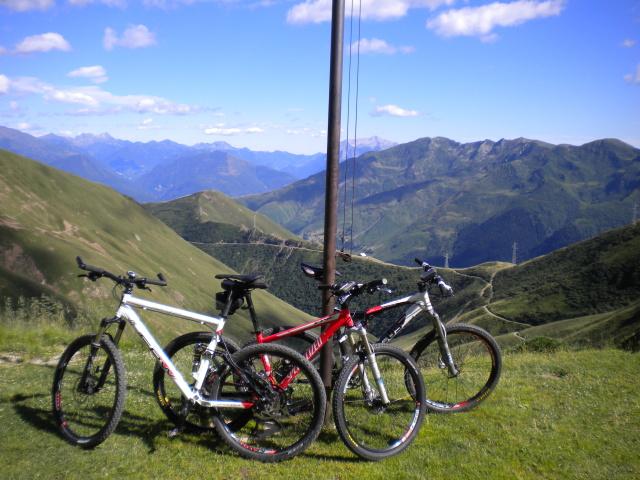 Panorama sulla Valle di San Jorio e sulla Valle di Albano dal rifugio San Jorio