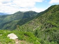 Via del Ferro, panorama su alta Valle Morobbia con Cima delle Cicogne e Corno del Gesero sullo sfondo
