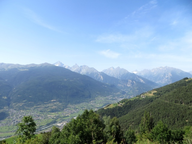 Salita all'Alpe Metz de Bionaz - panorama sulla valle centrale
