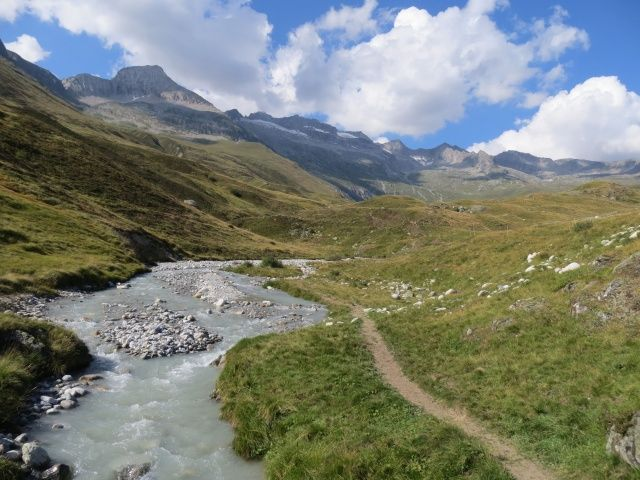 Single-track per Nessel, torrente Chelchbach