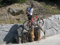 Inizio sentiero - scalinata in legno