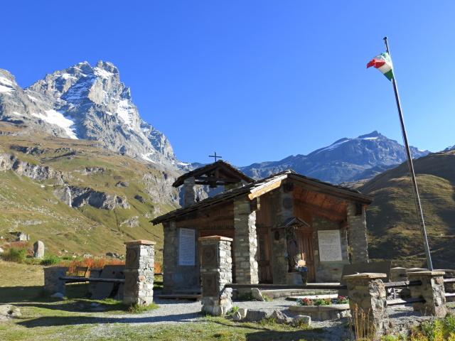 Chiesetta in ricordo del Battaglione degli Alpini Sciatori Monte Cervino
