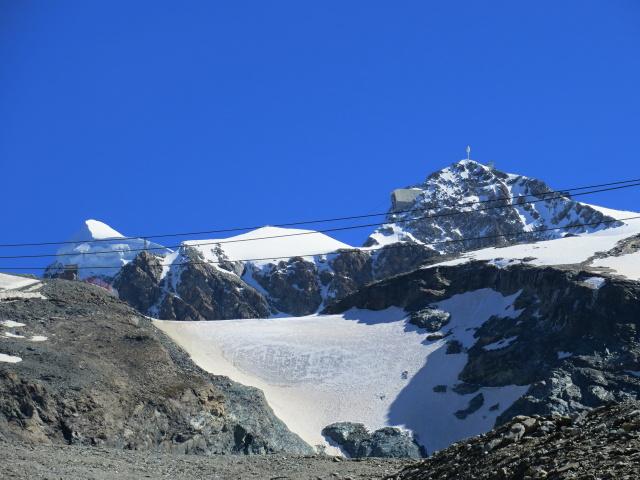 Il Breithorn (sx), il ghiacciaio del Piccolo Cervino (centro) ed il Testa Grigia (dx) salendo ai laghi Cime Bianche
