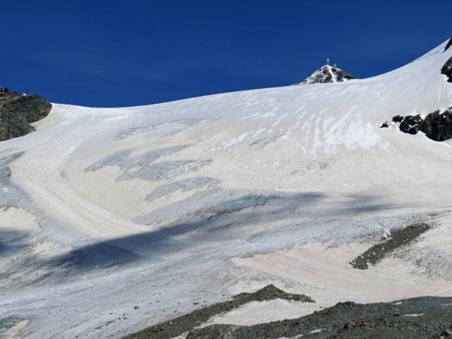 La mitica pista del Ventina che scende dal passo del Plateau Rosa