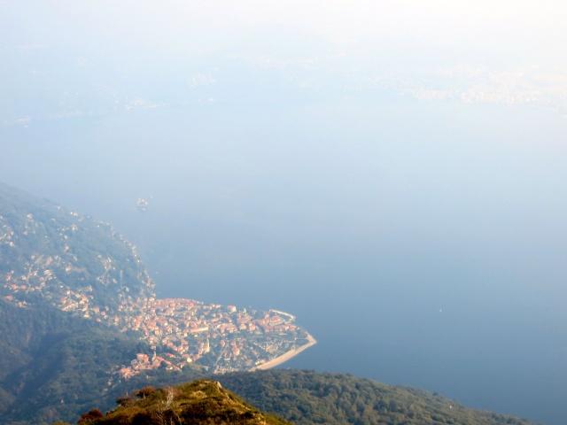Vista su Cannero e l'Alto Lago Maggiore dalla Cima di Morissolo