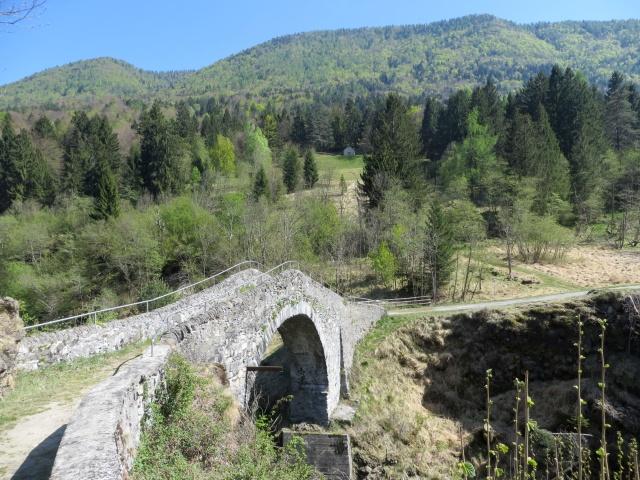 L'antico Ponte di Maglione sul torrente Melezzo