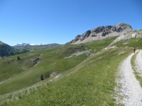 In direzione del Col du Granon da Fort de Olive, panorama sul Col du Granon (sx) e sul Crête de Roche de Gauthier (dx)