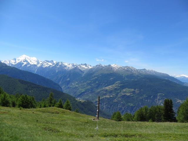 Panoramica su alcune vette della Mattertal - Weisshorn (4.506), Bishorn (4.153), Brunegghorn (3.833), Barrhorn (3.583) e tutta la catena montuosa che degrada verso Stalden