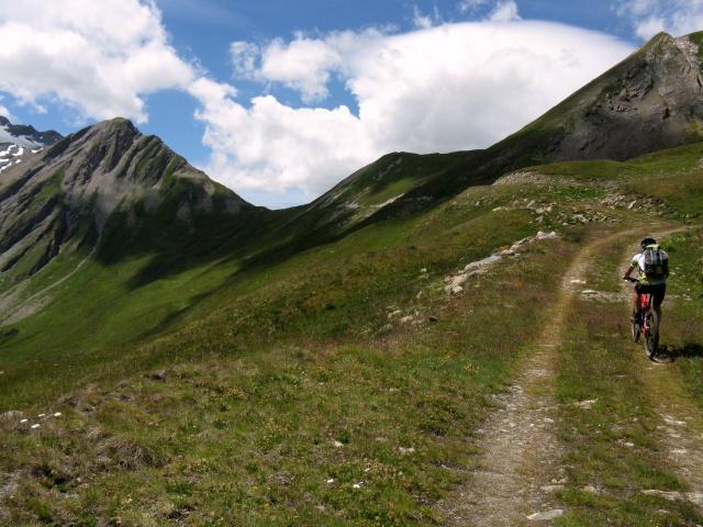 Alpe Chavanne superiore - ultimo tratto di salita, sullo sfondo il Col Chavanne