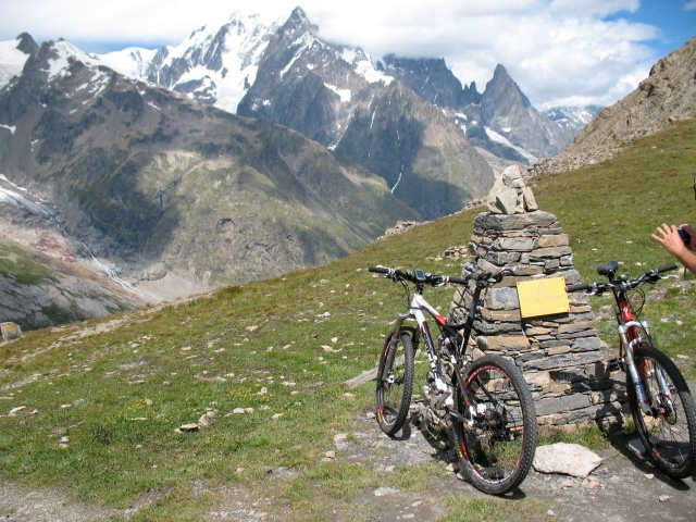 Col Chavanne, al centro la vetta del Monte Bianco