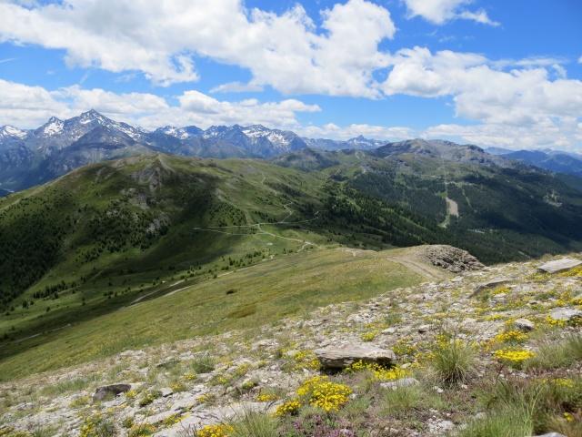 Monte Genevris - Panorama sul Monte Fraiteve, sulla Testa dell'Assietta e su parte dell'omonima Alta Via