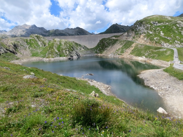 Il Lago Scuro e la diga del Lago del Naret