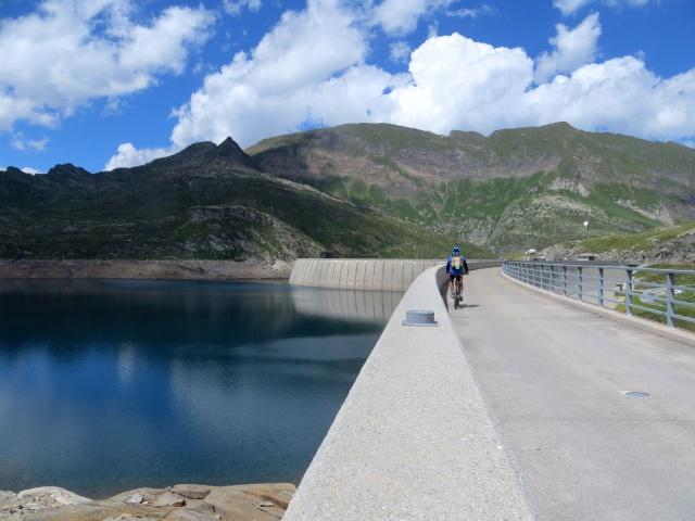 Sulla diga del Lago del Naret
