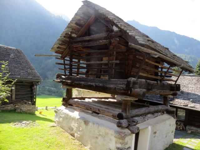 Antica abitazione Walser presso l'abitato di Mogno (epoca 1600)
