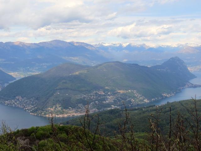 Sulla vetta del Monte Pravello, panorama sul Monte Arbostora e San Salvatore (Lugano)