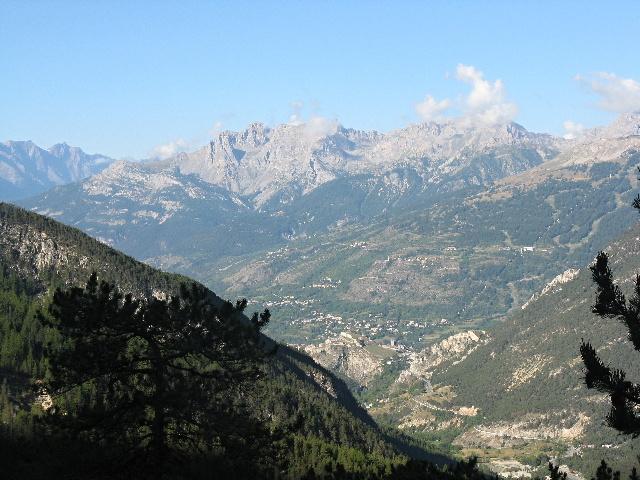 Scorcio della valle di Briançon