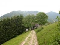 Lungo il crinale in direzione del Bisbino